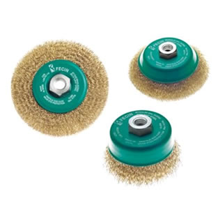 High speed crimped wire cup wheels